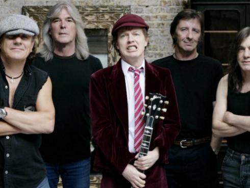 ¡Bajista de AC/DC renunció a la banda!