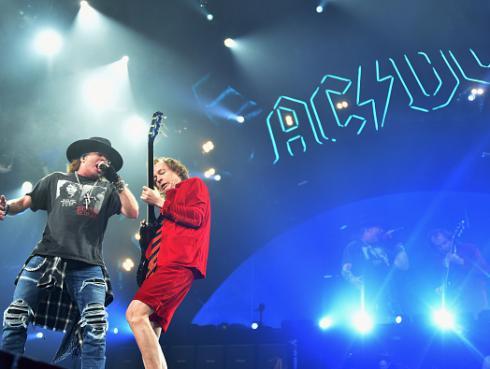 AC/DC terminó su gira con Axl Rose, su bajista se marcha... ¿es el fin?