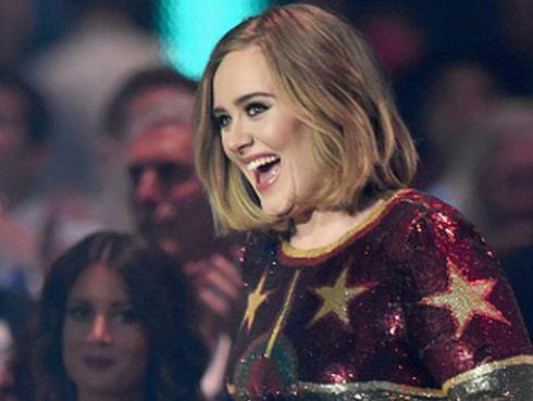 ¡Adele tiene barba! Y se llama 'Larry' [VIDEO]