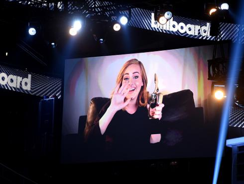 Adele se llevó los premios más importantes y presentó nuevo videoclip en los Billboard Music Awards 2016
