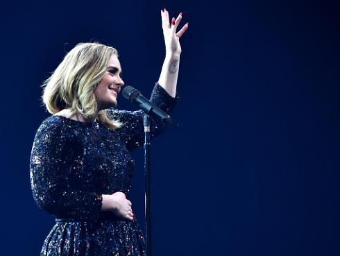 ¡Adele se despide de los escenarios por esta genial razón! [VIDEO]
