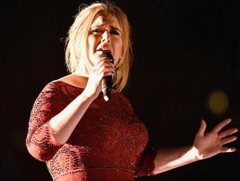 ¿Por qué Adele no quiere que nadie se le acerque durante su gira mundial?