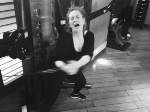 Adele compartió su sufrimiento en el gimnasio [FOTOS]