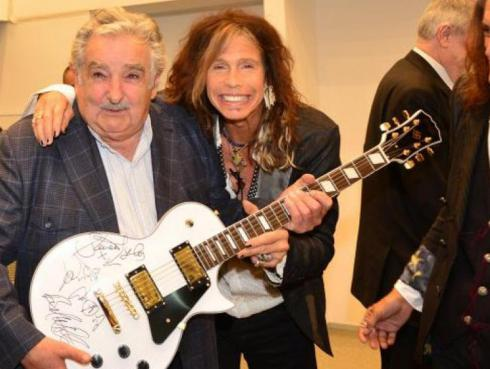 Aerosmith regala guitarra para subastar a beneficio de hospital infantil [FOTOS]