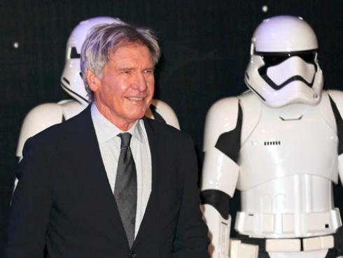 Al estilo de Han Solo en 'Star Wars', Harrison Ford se salvó de morir una vez más mientras volaba