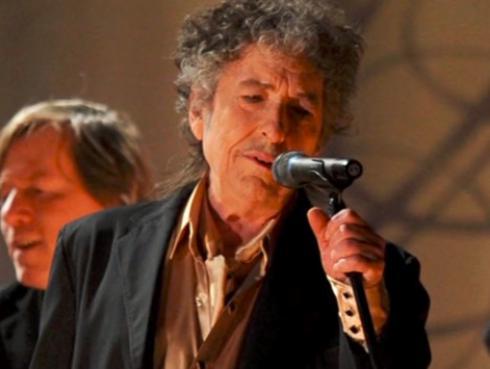 ¡Al fin! Bob Dylan aceptará el Premio Nobel de Literatura