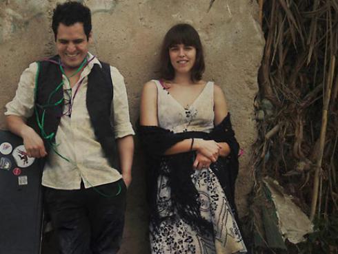 ¡Alejandro y María Laura reciben Disco de Oro por su primer álbum!