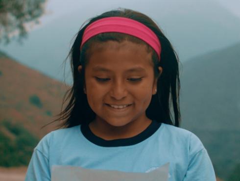 Alejandro y María Laura estrenan videoclip inspirado en Inés Melchor