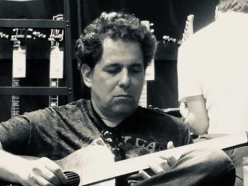 Andrés Calamaro presenta videoclip oficial de 'Tránsito lento' [VIDEO]