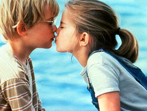 No te imaginas cómo luce hoy la niña de la película 'Mi Primer Beso' [FOTOS]
