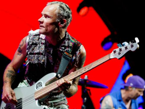 Así disfrutó Flea, de Red Hot Chili Peppers, el último atardecer del 2018