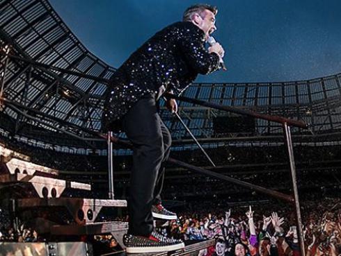 Así fue el show de Robbie Williams en la inauguración de la fiesta más grande del fútbol [VIDEO]