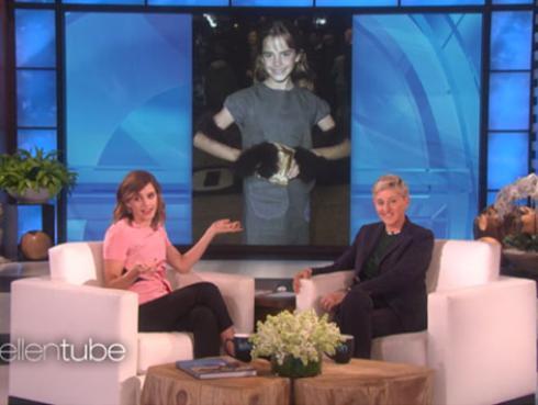 Así reacciona Emma Watson al verse en su primera alfombra roja en la época de 'Harry Potter y la piedra filosofal'