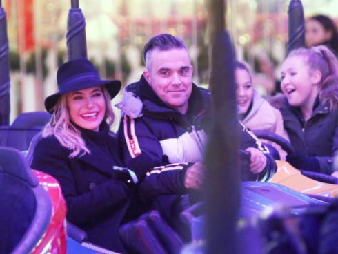Así son las noches familiares de Robbie Williams