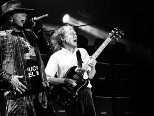 ¡¿Axl Rose quiere que AC/DC y Guns N' Roses hagan gira juntos?!