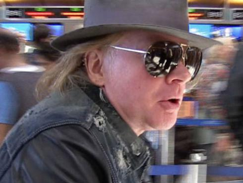 Extecladista de Guns N' Roses demandó a Axl Rose por esta razón