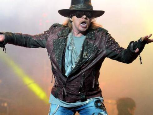 Axl Rose luce irreconocible antes del concierto de Guns N' Roses [FOTOS]