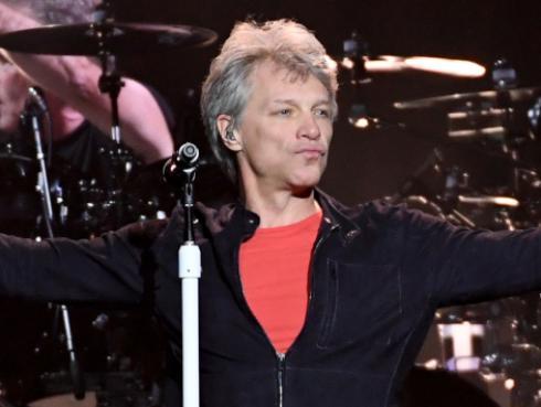 Bon Jovi se presentó en la beneficencia anual 'Apollo' en los Hamptons