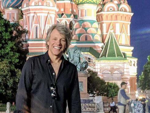 Bon Jovi pospone lanzamiento de su nuevo disco