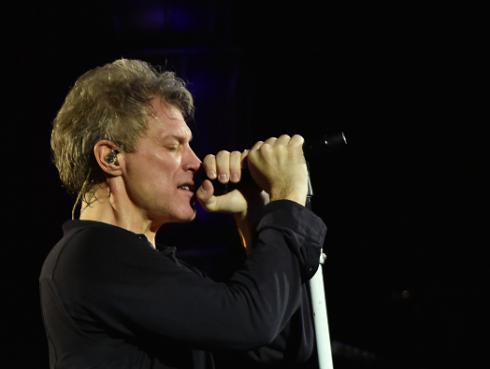 Bon Jovi rindió homenaje a Chuck Berry en reciente concierto [VIDEO]