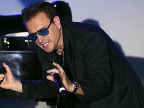 Bono, de U2, y Javier Bardem luchan por la injusticia en el mundo