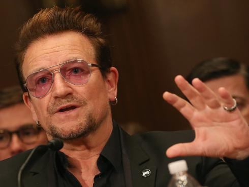 Bono, líder de U2, se ocultó en un restaurante durante atentado en Niza
