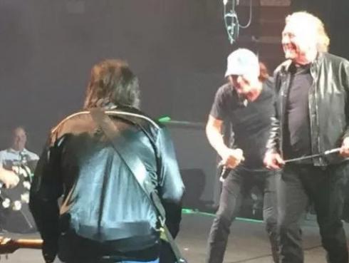 ¡Brian Johnson regresó a los escenarios con Robert Plant y Paul Rodgers!