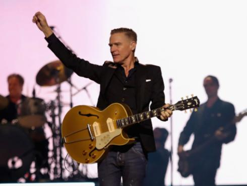 Bryan Adams y Taylor Swift sorprendieron en concierto [VIDEOS]