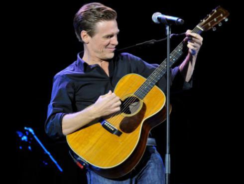 10 canciones de Bryan Adams que esperamos escuchar en su concierto en Lima [VIDEOS]