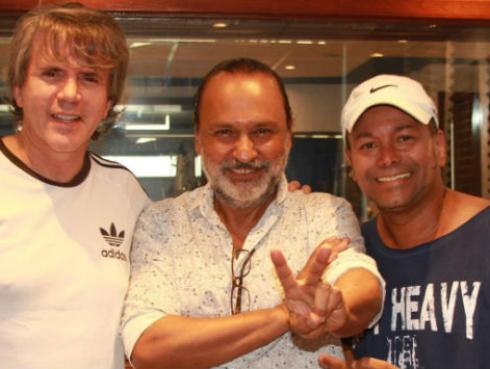 Cantante de Río y otros artistas peruanos interpretan 'Levántate Perú'