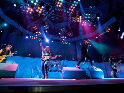 Cantante de Iron Maiden es uno de los empresarios más ricos del mundo
