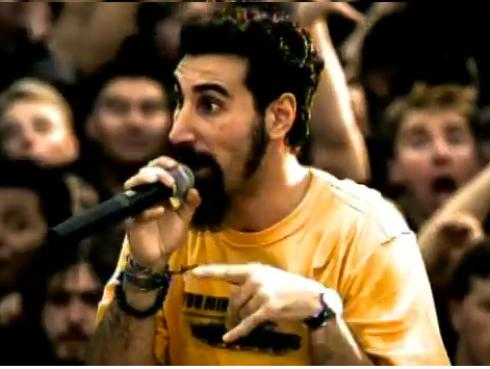 Cantante de System of a Down interpreta tema de 'Game of Thrones'