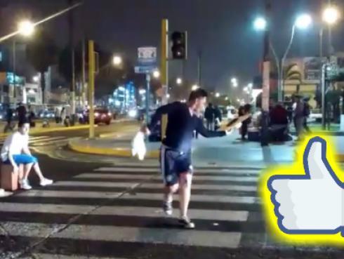 Estos chicos piden plata en los semáforos y lo que hacen es increíble [VIDEO]