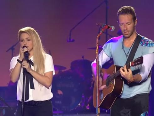 Chris Martin de Coldplay cantó en español de la mano de Shakira [VIDEOS]