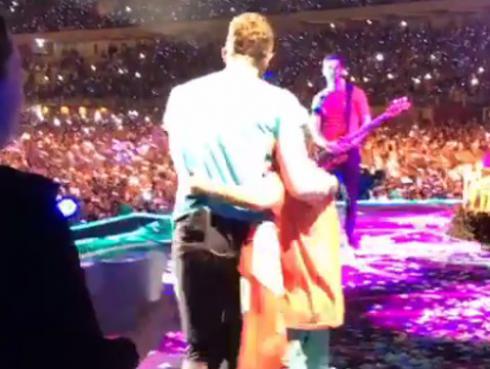 Chris Martin cantó 'Feliz cumpleaños' a su hijo Moses junto a público peruano