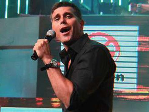Christian Meier presentó en vivo su nuevo tema 'La Pena' [VIDEO]