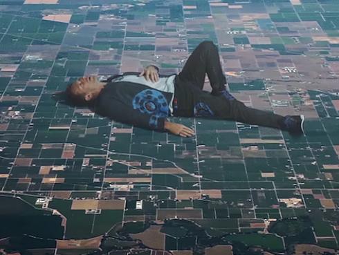 ¡Coldplay estrena nuevo videoclip con increíbles efectos visuales! [VIDEO]