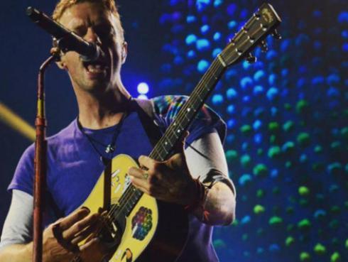 Concierto de Coldplay fue testigo de pedida de mano al son de 'Fix You' [VIDEO]