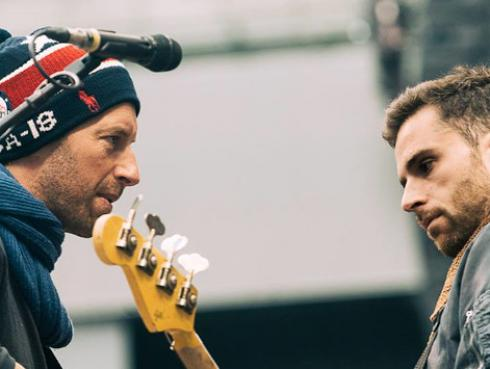Coldplay anuncia doble disco a través de cartas enviadas a sus fans