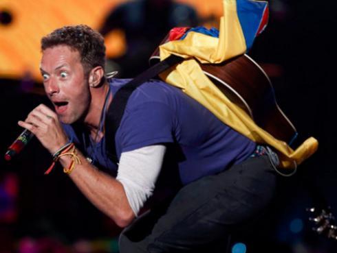 ¡Falso Chris Martin se robó el show en concierto de Coldplay en Colombia!