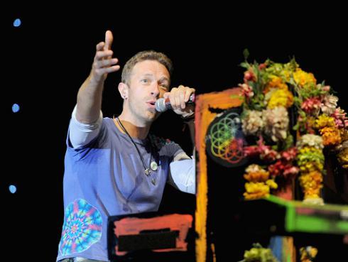 Coldplay recuerda a Leonard Cohen con cover de 'Suzanne' [VIDEO]