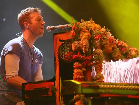 ¡Coldplay comparte impactante video sobre travesía de los refugiados de medio oriente al ritmo de 'Don't panic'!