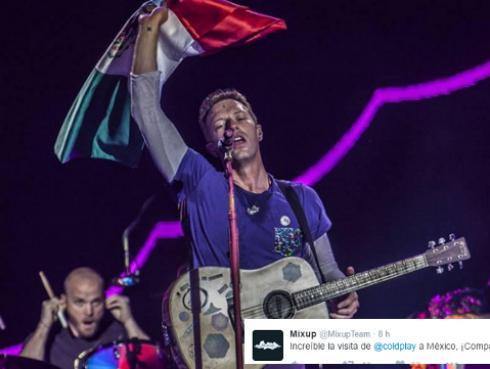 ¡Coldplay tocó el cajón peruano durante concierto en México! [VIDEO]