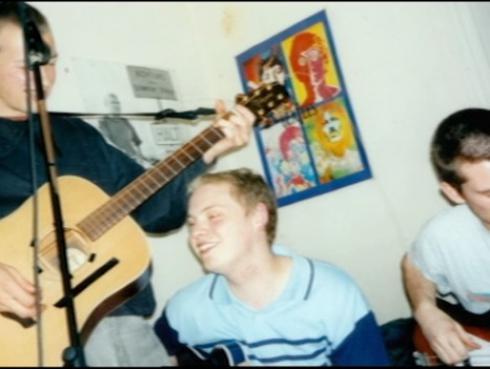 Coldplay: Video muestra su primer ensayo como banda hace 19 años