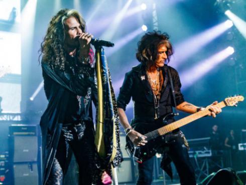 ¿Cómo iniciaron Joe Perry y Steven Tyler a componer canciones en Aerosmith?