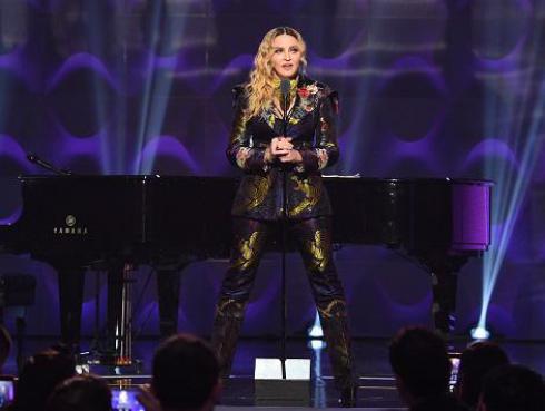 Conoce la historia del vestido que Madonna usó en el MET 2018