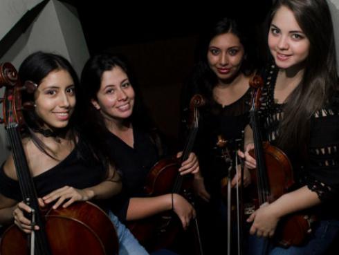 ¡Cuarteto peruano de cuerdas sorprende con covers de clásicos del rock! [VIDEOS]