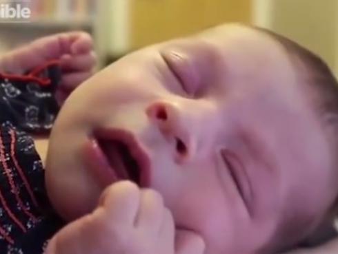 ¡Increíble! Bebé solo se calma cuando escucha a David Bowie [VIDEO]