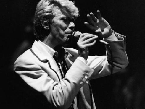 ¿David Bowie se suicidó? Teoría asegura que sí