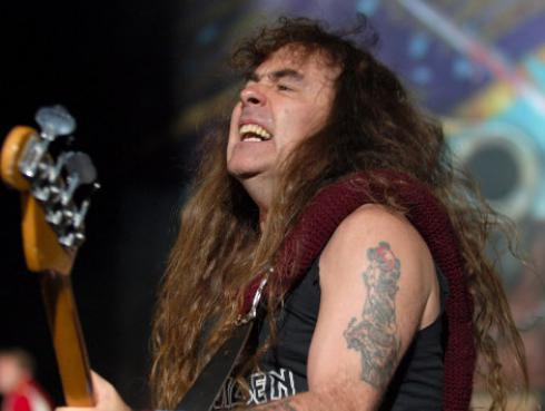 ¿De qué hubiera trabajado Steve Harris si Iron Maiden no funcionaba?